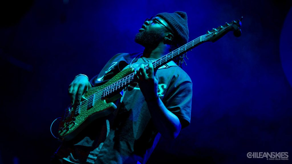 Burniss Travis - Robert Glasper Experiment en Chile (2016)