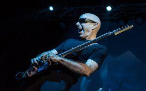 Joe Satriani en Chile (2016) – Virtuosismo sin necesidad de…